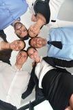 Бизнесмены собирают соединяя руки Стоковые Изображения RF