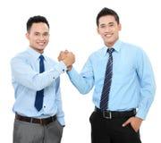 Бизнесмены трястия руки Стоковое Изображение