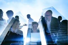 Бизнесмены Silhouette прозрачная концепция здания Стоковая Фотография RF