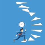 Бизнесмен бежать вверх лестница к успеху с осторожностью, бегущ с временем Стоковая Фотография