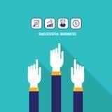 Бизнесмен вручает указывать в сети значки с концепции дохода от бизнеса копилки и денег диаграммы повышения квартирой успешной со Бесплатная Иллюстрация