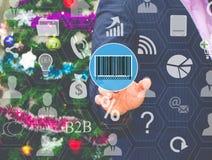 Бизнесмен выбирает штрихкод на экране касания Стоковые Фото