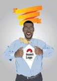 Бизнесмен вытягивая открытую рубашку для того чтобы показать логотип Стоковые Изображения RF