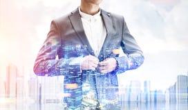 Бизнесмен в городе Стоковые Изображения RF
