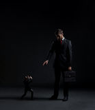 Бизнесмен в костюме Дело и концепция офиса Острословие предпосылки Стоковое фото RF