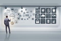 Бизнесмен в финансовой концепции fintech технологии стоковая фотография