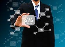 Бизнесмен держа значок на социальной сети Стоковое Изображение RF