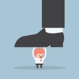 Бизнесмен держа ногу большого бизнесмена Стоковое Фото