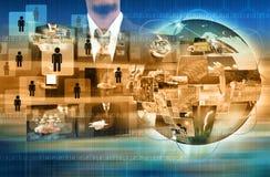 Бизнесмен держа достигая изображения течь в руках Financia Стоковые Фото
