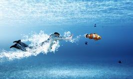 Бизнесмен заплывания Стоковое Фото