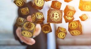 Бизнесмен используя перевод cryptocurrency 3D bitcoins Стоковые Изображения