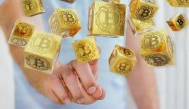 Бизнесмен используя перевод cryptocurrency 3D bitcoins Стоковое Изображение RF