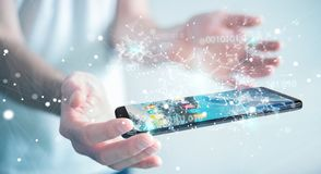 Бизнесмен используя цифровой бинарный код на renderi мобильного телефона 3D Стоковое Изображение RF