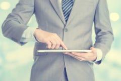 Бизнесмен используя ПК таблетки Стоковая Фотография RF