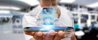 Бизнесмен используя современные цифровые применения мобильного телефона Стоковое Фото