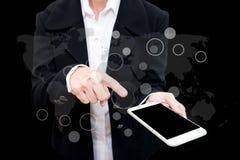 Бизнесмен используя умную двойную экспозицию телефона с gra дела стоковая фотография rf