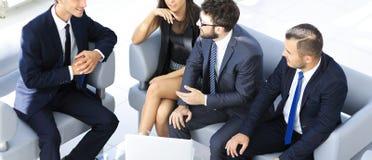 Бизнесмен и говорить команды дела Стоковое Фото