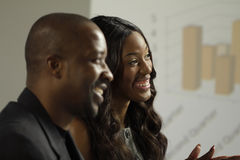 Бизнесмен и женщина 2 афроамериканцев в встрече Стоковое фото RF