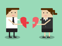 Бизнесмен и коммерсантка держат головоломку в форме сердца i бесплатная иллюстрация
