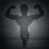 Бизнесмен и сильная тень 5 Стоковая Фотография RF