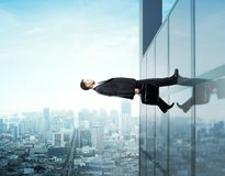 Бизнесмен идя вверх Стоковые Фото