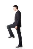 Бизнесмен идя вверх стоковое изображение rf