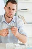 бизнесмен кредит карточки получает имеет его освобожданный к Стоковая Фотография