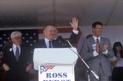 Бизнесмен миллионера и кандидат в президенты Ross Perot говорят на приводе ходатайства в округ Орандж Калифорния 1992 Стоковые Изображения RF