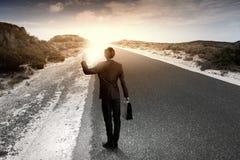 Бизнесмен на дороге Стоковое Изображение RF