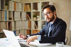 Бизнесмен на работе Стоковое Изображение RF