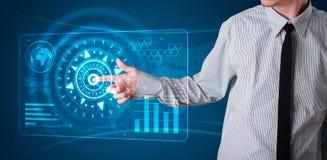 Бизнесмен отжимая высокотехнологичный тип самомоднейших кнопок Стоковые Изображения RF