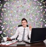 Бизнесмен показывая палец вверх Стоковые Фотографии RF