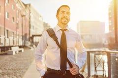 Бизнесмен по пути домой Стоковая Фотография