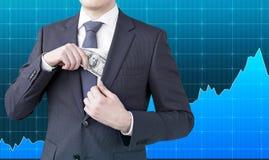 бизнесмен получая деньги Стоковые Фотографии RF