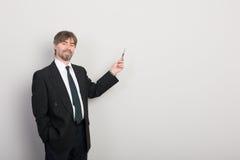 бизнесмен представляя что-то стоковые фотографии rf
