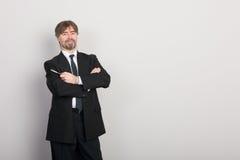 бизнесмен представляя что-то стоковое изображение rf