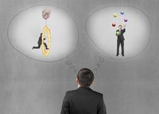 Бизнесмен представляя ситуацию работы с бетонной стеной Стоковые Изображения RF