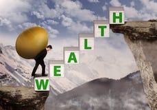 Бизнесмен приносит богатство яичка золота на гору Стоковые Фото