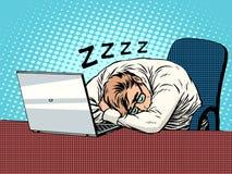 Бизнесмен работая на сне усталости компьтер-книжки Стоковая Фотография RF