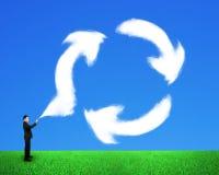 Бизнесмен распыляя вне заволакивает рециркулирующ символ иллюстрация вектора