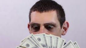 Бизнесмен радуется его деньги видеоматериал