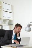 бизнесмен сонный Стоковое Фото