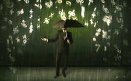 Бизнесмен стоя при зонтик и номера 3d идя дождь concep Стоковые Изображения