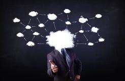 Бизнесмен с головой сети облака Стоковое фото RF
