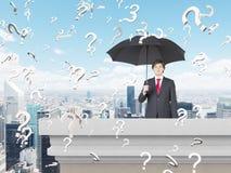 Бизнесмен с зонтиком Стоковая Фотография