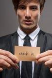 Бизнесмен с карточкой стоковое изображение rf
