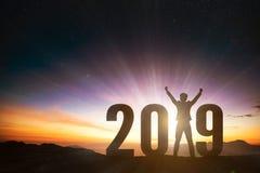 бизнесмен с концепцией 2019 Новых Годов стоковое изображение rf
