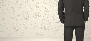 Бизнесмен с социальными значками средств массовой информации Стоковая Фотография RF