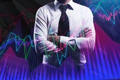 Бизнесмен с творческой диаграммой валют Стоковое Фото