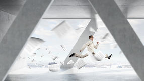 Бизнесмен танцев в офисе Стоковая Фотография RF